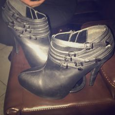 Guess booties sz 7 Practically new guess leather booties really cute retails for 90$ sz 7 worn only 2 times Guess Shoes Ankle Boots & Booties