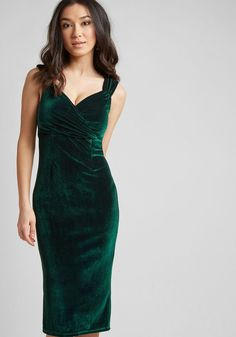 Womens - Who wouldn't want to croon a ballad when they see you in this sultry frock, found exclusively at ModCloth? Arresting emerald green, with a flexible velvet material that caresses your curves, this dress, Pretty Outfits, Pretty Dresses, Pretty Clothes, Dress Skirt, Dress Up, Wine Dress, Sheath Dress, Bodycon Dress, Green Velvet Dress