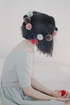 I'm  going to Joann Fabrics and getting supplies to make one of these. A lovely prop headband for toddlers and girls. <3