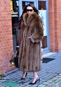 Long Fur Coat, Fur Coat Fashion, Mink Fur, Mink Coats, Fox Coat, Vintage Fur, Warm Coat, Fox Fur, Coats For Women