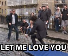 This is hilarious. (gif) I DONT SHIP TRADITIONAL JOHNLOCK, ONLY IN A BROMANCE WAY but this is hilarious.