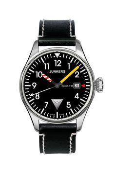 Junkers 6144-3 :diese Flieger-Uhr von Junkers gehört zur Serie Cockpit Ju 52. Der technische Look klassischer Fliegeruhren zeichnet diese Uhren aus. Mit persönlicher Gravur bestellen.