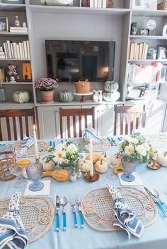 blue thanksgiving table decor