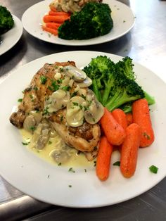 www.eventsbybh.com Herb Roasted Statler Chicken Breast topped with a White Wine Mushroom Sauce over Yukon Gold Potato Purée and a duo of Roasted Broccoli & Carrots. An EBH wedding favorite with a heaping portion size! #Wedding #Tasting Info@EventsByBH.com