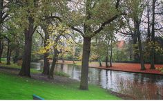 The other side of the brugge canal...