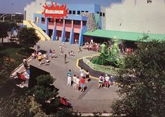 Awesome flashback to the Nickelodeon Studios! I miss that slime fountain 😢 Universal Studios Parking, Universal Studios Theme Park, Disney Universal Studios, Nickelodeon Videos, Tv Land, Exotic Places, Classic Tv, Orlando Florida, Favorite Tv Shows