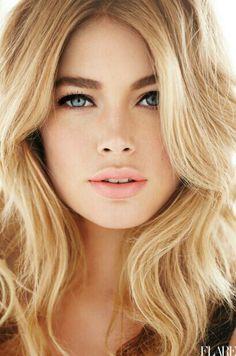Big hair + full brows+ nude lips =natural makeup look Beauty Make-up, Beauty Hacks, Hair Beauty, Natural Beauty, Beauty Tips, Blonde Beauty, Beauty Care, Natural Brows, Beauty Products