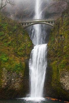 15 Romantic Things to Do in Portland, Oregon: Make Tracks for Multnomah Falls in Romantic Oregon