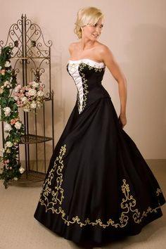 fekete-arany zsinóros magyaros ruha Modest Long Dresses, Special Dresses, Dressy Dresses, Cute Dresses, Strapless Dress Formal, Beautiful Dresses, Fancy Dress, Prom Dresses, Wedding Dress Cake