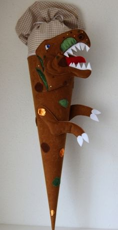 """Schultüte,  Zuckertüte , """"T-Rex"""", Handarbeit von Anastasiyas Stoffmärchen auf DaWanda.com"""