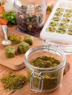 Come fare il dado vegetale granulare e a cubetti in casa - Mastercheffa Baby Food Recipes, Vegan Recipes, Cooking Recipes, International Recipes, Copycat Recipes, Diy Food, Summer Recipes, Italian Recipes, Pesto