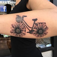 Vintage bike with daisies