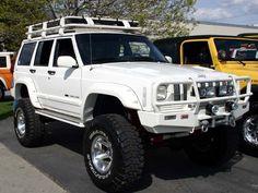 Kind of cool old Jeep Cherokee box body Suv 4x4, Jeep Suv, Jeep Truck, Ford Trucks, Cherokee Sport, Jeep Grand Cherokee, Lifted Jeep Cherokee, Cherokee Nation, Jeep Xj Mods