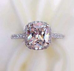 Stunning pink diamond ring