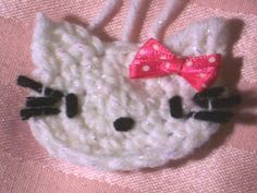 Prom is coming up soon. I designed this Corsage for that Hello Kitty girl who dares to be different. It's a simple pattern t. Knitting Patterns Free, Knit Patterns, Free Knitting, Free Pattern, Crochet Motif, Crochet Baby, Knit Crochet, Crochet Appliques, Hello Kitty Clothes