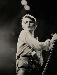 Happy 66th Birthday, David, many happy returns. (pic form Stage tour 1978)