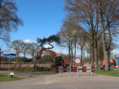 De afgesloten Oude Borculoseweg bij de kruising met de Stokkersweg en Lintveldseweg.