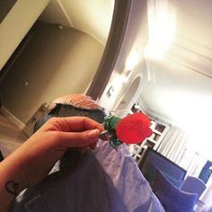 Mordiendo lo más dulce del Dragón  #santjordi #dulcesantjordi #rosasdegominola #momentosdulces   via Instagram http://ift.tt/2ogrC9f