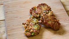 Kosblikkie-video: Spek-, kaas-en-broccolikoekies Bread Recipes, Healthy Recipes, Healthy Food, Rolls, Herbs, Chicken, Healthy Foods, Buns