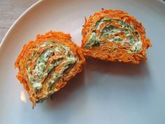 gulerodsroulade, madroulade, vegetarroulade, roulade, gulerødder, æg, fløde, timian, spinat, flødeost, citroner Side Recipes, Raw Food Recipes, Low Carb Recipes, Vegetarian Recipes, Cooking Recipes, Healthy Recipes, Food Inspiration, Brunch, Food And Drink