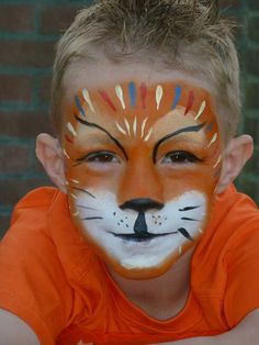 Simple face painting designs are not hard. Many people think that in order to have a great face painting creation, they have to use complex designs, rather then simple face painting designs. Face Painting Designs, Paint Designs, Body Painting, Body Image Art, Body Art, Orca Tattoo, The Face, Simple Face, Costumes