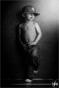 Toddler one light setup Passion Photography, Photography Pics, Family Photography, Toddler Boy Photos, Toddler Poses, Toddler Boy Photography, Children Photography, Boy Photo Shoot, Man Photo