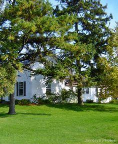 Old farm house. ~~ http://jaykaysphotos.ca