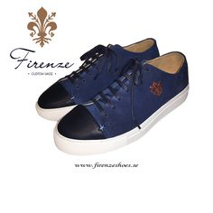 Sneaker med captoe handgjord i blå mocka Front Row, Portugal, Louis Vuitton, Sneakers, Blue, Shoes, Fashion, Moda, Sneaker