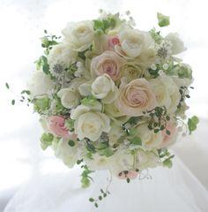 一会 ウエディングの花 Flower Bouqet, Orchid Bouquet, Beautiful Bouquet Of Flowers, Hand Bouquet, Romantic Flowers, Bridal Flowers, Rose Bouquet, Floral Bouquets, Ikebana Flower Arrangement
