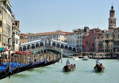 Most of us have heard of Venice's Grand Canal, seen below. But perhaps fewer people are aware of the longest canal in the world, the Grand Canal in China, also known as the Beijing-Han… Italy Vacation, Vacation Trips, Italy Travel, Day Trips, Vacation Travel, Italy Tourist Attractions, Venice Travel Guide, Grand Canal Venice, Venice Canals