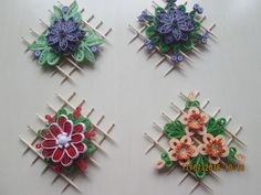 Mainature quilling flowers
