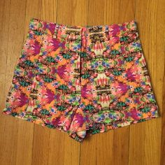 High Waisted Victoria's Secret Hawaiian Shorts Awesome bright Hawaiian print shorts from Victoria's Secret. New, never worn. High-Waisted style with front pockets and belt loops. Perfect for summer. Size 10 but would also work for an 8 in my opinion. Twill cotton material with a bit of stretch. Make an offer or bundle for a discount! Victoria's Secret Shorts