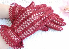 Shell Cluster Gloves - vintage crochet pattenr by Coats