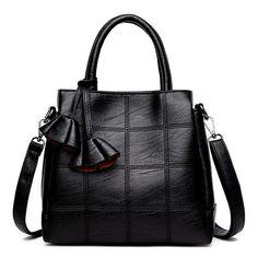 Sac a main femme en cuir noir avec bandouliere poches grand format 1 8728308c807