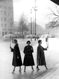 whatsjohnbeensmoking:  Photo byF. C. Gundlach, 1950.