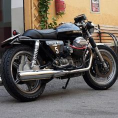Moto Guzzi #caferacer #motorcycles #motos | caferacerpasion.com