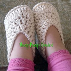 toddler slippers free pattern - Finished project will measure approximately 6 inches in length which loosely translates to a fit between a child's size 6 –  8.5 *