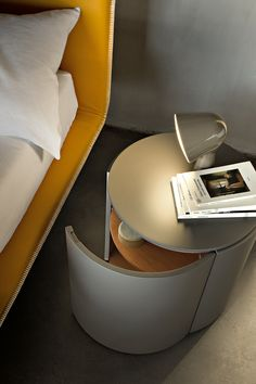 Lacquered round bedside table TOP - @lemamobilispa