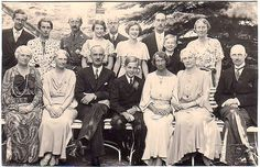 The Duke and Duchess of Brunswick with their extended family, 1930 Ernst August, Queen Sophia, Royal Photography, King Of Prussia, Royal King, Queen Victoria, Duke And Duchess, King Queen, Royalty
