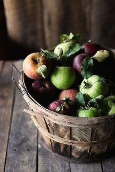 Kaip išlikti sveikam ir energingam artėjant žiemai? Pasak sveikatingumo konsultanto Tomo Lenart tam didelę įtaką turi trys veiksniai – maisto ruošimas, mitybos laikas ir maisto derinimas.