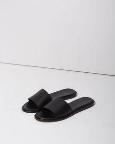 Woman by Common Projects Slide Sandal | La Garçonne