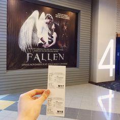 Entrada de una fan de Malasia en el estreno de Fallen :)