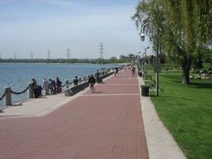 Burlington: Best City for Immigrants Spencer_Smith_Park_in_Burlington,_Ontario