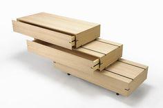 Drawer Shelf by Keiji Ashizawa 서랍, 수납장 겸 테이블로 좋을 것 같습니다.
