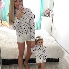 Hello friends, you can just take a photo, without a text a great day dear Mom Daughter Matching Outfits, Mother Daughter Outfits, Mommy And Me Outfits, Kids Outfits, Mom Dress, Baby Dress, Mom Daughter Photography, Toddler Fashion, Kids Fashion
