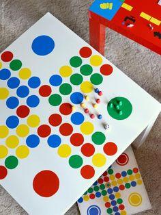 IKEA HACK. Mesa Lack (6.95 euros) customizadas con vinilo y convertidas en mesas de juego