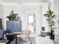 I vardagsrummet har vi målat med en av mina absoluta favoritkulörer, den är helt perfekt grå/beige, kod: 1902-Y42R