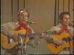 Los Visconti - Mama Vieja - En Vivo - Colección Lujomar Youtube, Music Instruments, Vases, Grandmothers, Unconditional Love, Festivals, Girly, Musical Instruments, Youtubers