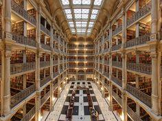 Les bibliothèques sont des lieux de savoir, des lieux de travail et de transmission, mais aussi parfois des trésors d'architecture. Si vous en cherchez la preuve, voici quelques photos qui devrai...
