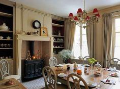 """Découvrez la """"petite folie"""" : une maison d'hôtes à Honfleur située à la campagne. Cette demeure pleine de charme offre un cadre cosy pour se détendre..."""